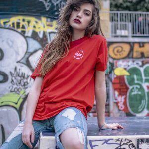 Camiseta roja logo pequeño